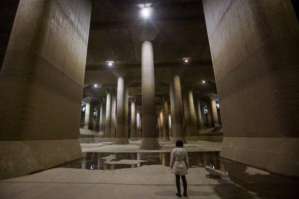 Внутри токийского противопаводкового коллектора