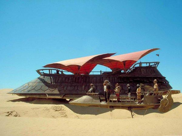 Баржа Джаббы Хатта из фильма «Звёздные войны. Эпизод VI: Возвращение джедая» (1983)