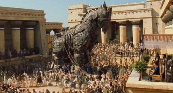 Троянский конь в фильме «Троя» (2004)