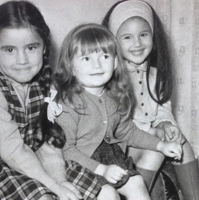 Пятилетняя Моника Беллуччи (справа), 1969 г.