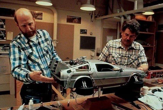 Модель летающего автомобиля–машины времени DeLorean DMC–12 для съемок фильма «Назад в будущее 2», 1980–е годы, США