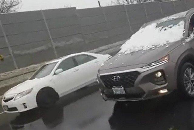 Когда не почистил машину - а спешишь на работу