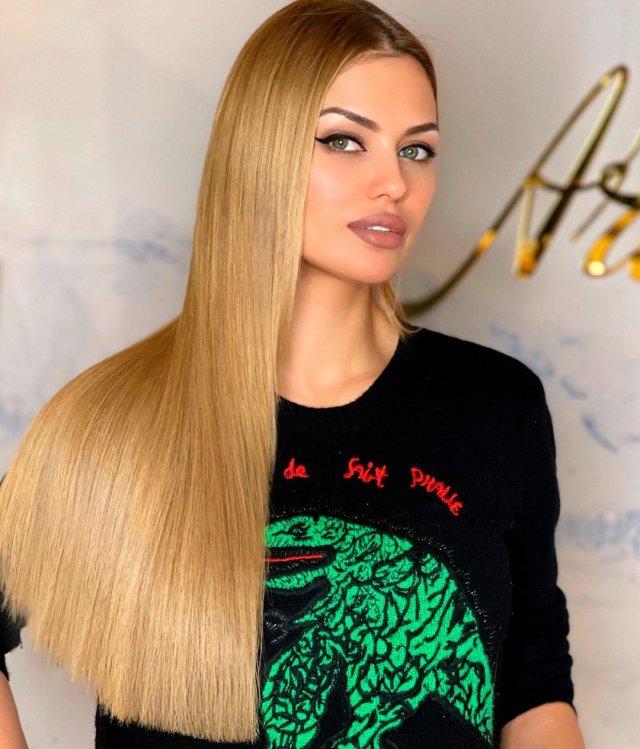 Виктория Боня демонстрирует волосы