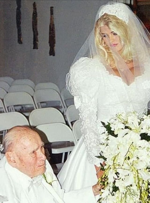 В 1994 году 89-летний нефтяной магнат Джеймс Говард Маршалл женился