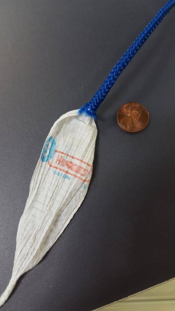 Эту верёвку сделали из переработанных подгузников
