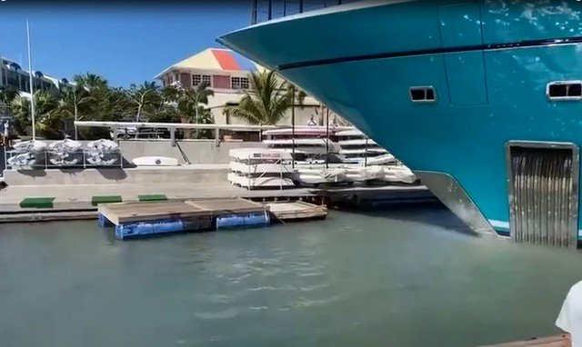 Моя яхта - паркуюсь где и как хочу