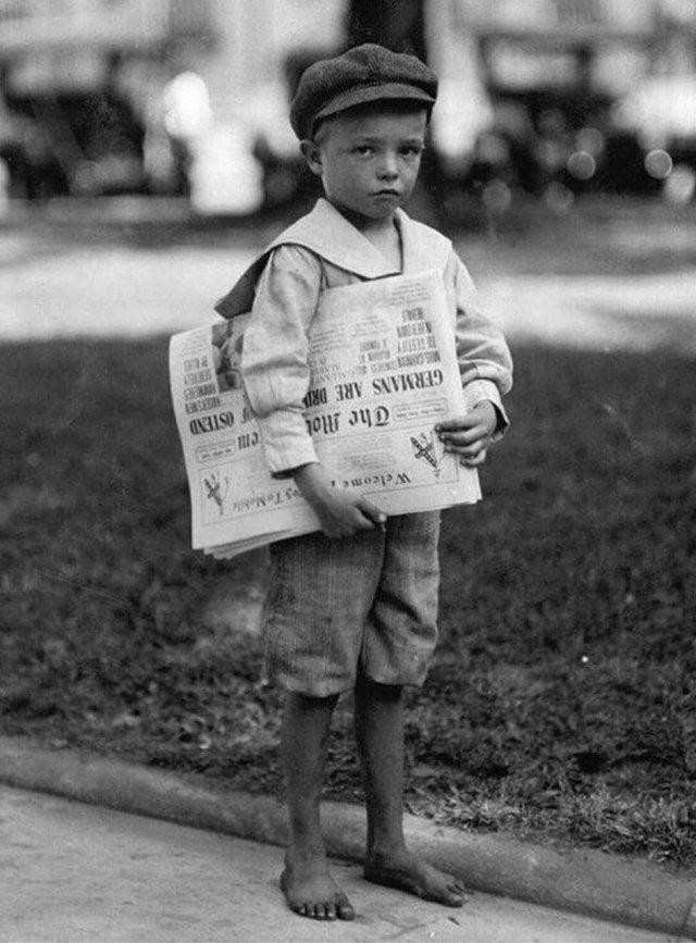 Семилетний разносчик газет. Алабама, 1914 год.