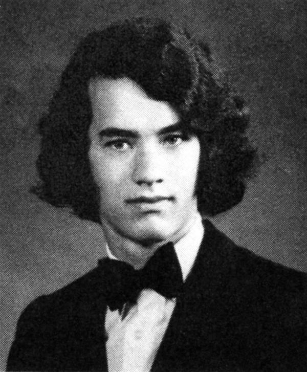 Том Хэнкс в школьном альбоме, 1974 год