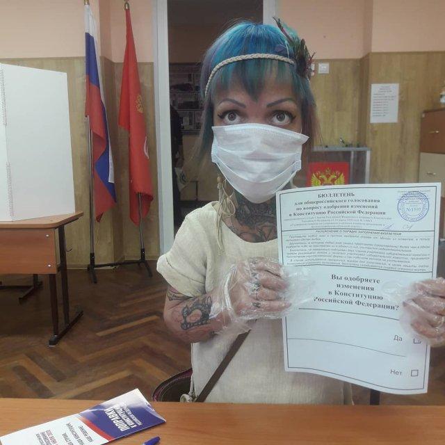 Экс-участница группы «Little Big» Анна Кастельянос на голосовании
