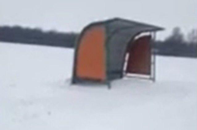 Видео с остановкой посреди поля в Пензе удивило пользователей Сети