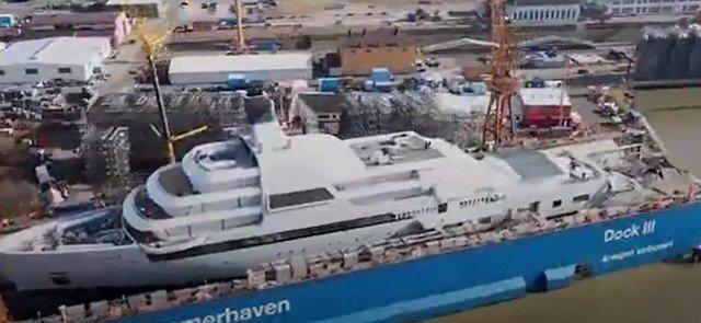 Новые кадры яхты Романа Абрамовича Solaris - крупнейшего судна поддержки