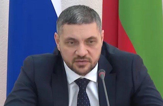 Губернатор Забайкальского края Александр Осипов попробовал записаться на вакцинацию, но не смог