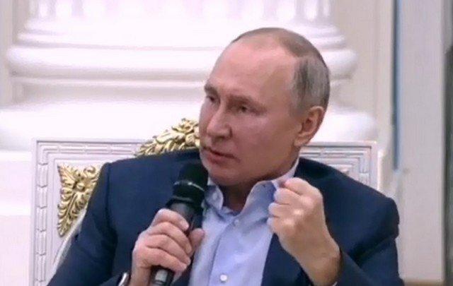 """Владимир Путин о """"группах смерти"""": «Ублюдок такой сидит там, букашка. Раздавить его не жалко»"""