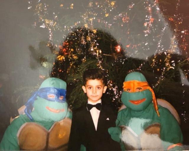 Фото с Леонардо и Микеланджело на новогодней ёлке. Россия, конец 90-х.