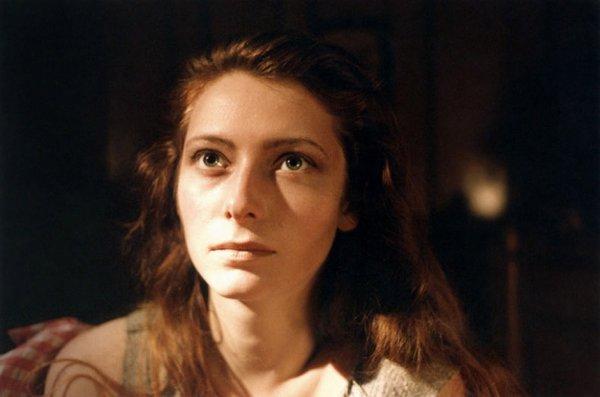 Тильда Суинтон с длинными волосами и «земной» внешностью