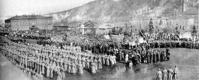 «Златоустовская бойня» — расстрел царскими войсками бастующих рабочих оружейного завода в Златоусте, 26 марта 1903 года