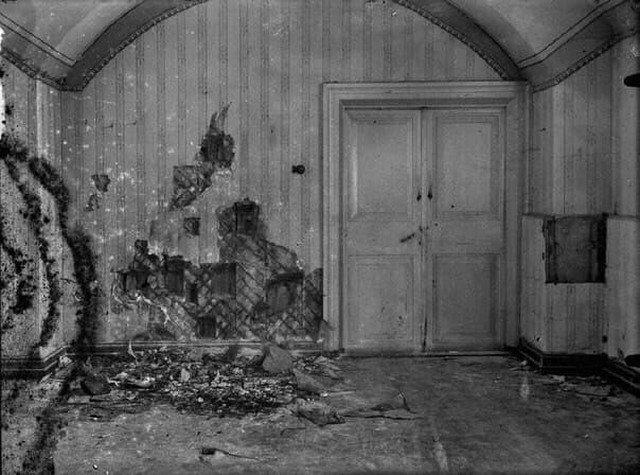 Комната, где были расстреляны Царь Николай II и вся его семья, 1918 г.