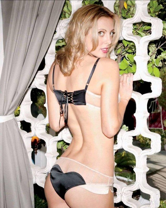 Ева Амурри в сексуальном нижнем белье