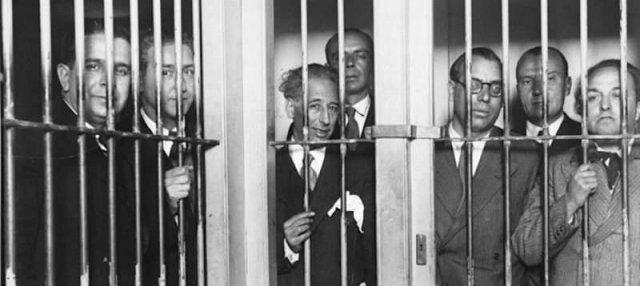 Правительство Каталонии в тюрьме. Барселона. Вторая Испанская Республика. 6 октября 1934 года.