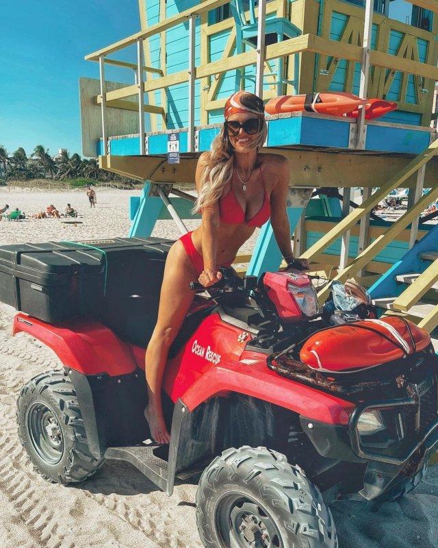 Мэдисон Лекрой - любовница Алекса Родригеса, с которой он изменил Дженнифер Лопес в красном купальнике на вездеходе