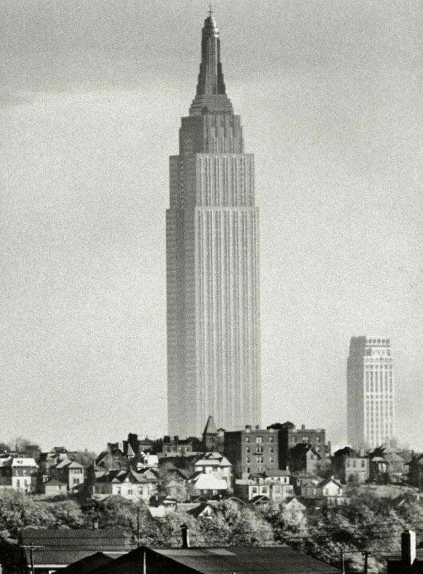 Эмпайр-стейт-билдинг в 1940 году