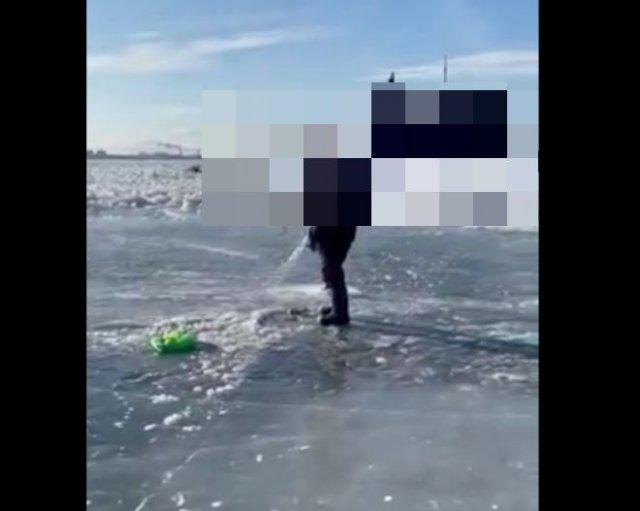 """Отправляясь на зимнюю рыбалку, мало кто ожидает увидеть """"это"""""""