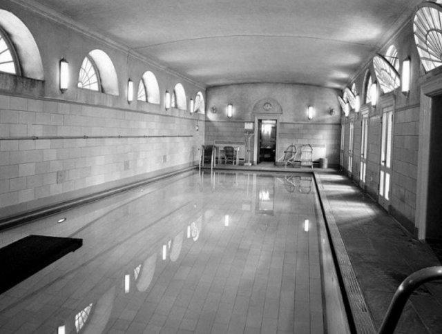 Бассейн Белого дома, 1946 год. Ныне это брифинг-зал