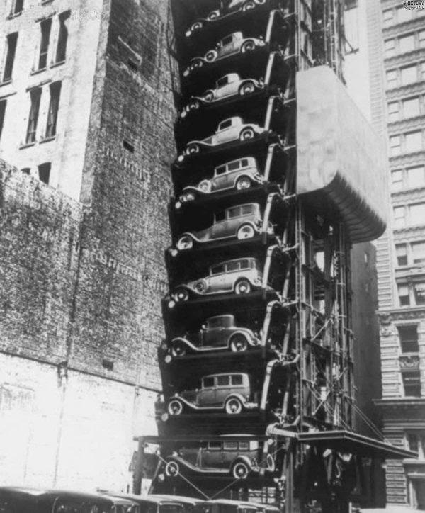 Многоуровневая парковка в Нью-Йорке 1930-х годов