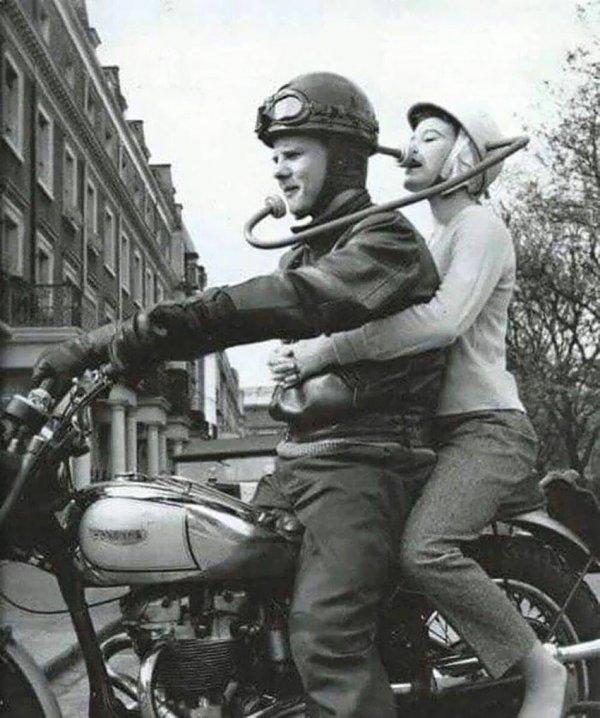 Средство связи водителя и пассажира мотоцикла, 1970-е годы