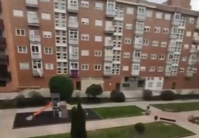 """Семья """"русских беженцев"""" показала, в каких условиях живет в Испании"""