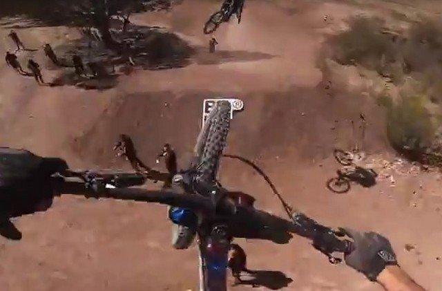 Велогонщик обманул девушку, чтобы сделать ей предложение