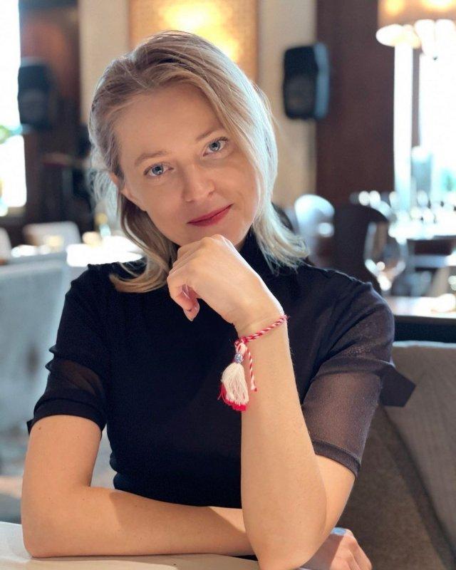 Политик Наталья Поклонская в черной кофте