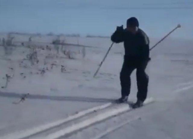 """""""Дима, улыбнись!"""": Очень забавный фейл с исполнении лыжника"""