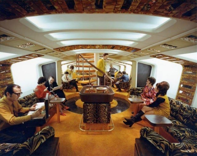 Зал отдыха самолёта Boeing-747, 1970-е.