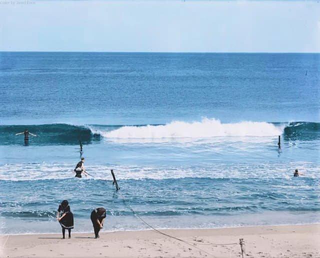 Работа на пляже, 1982