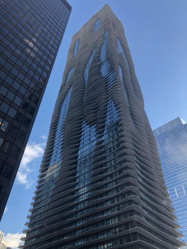 Небоскрёб Аква, Чикаго, США