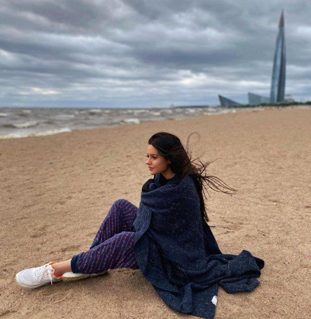 Анна Маковская - любовница Давида Манукяна, на которую он променял Ольгу Бузову в пледе на берегу Финского залива