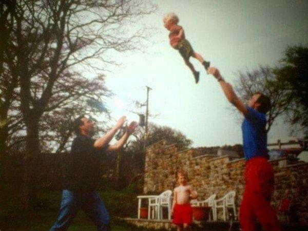Мои дяди перекидываются мной, 1993 год