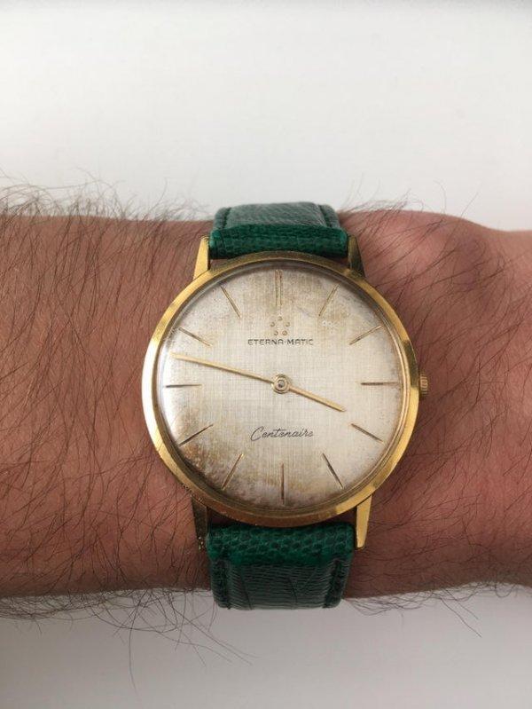 Часы моего прадеда, которым 60 лет. Отец подарил их мне, когда я окончил институт