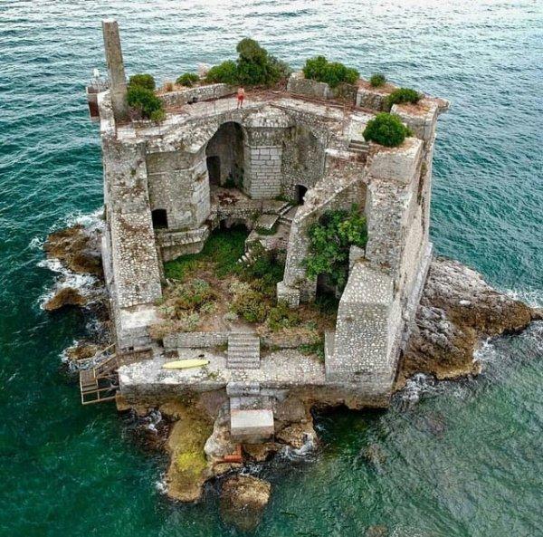 Башня Торре Скола, Италия