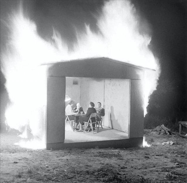 Тecтирование нового огнеупорного строительного материала. Нью–Xейвен, 1949 год.