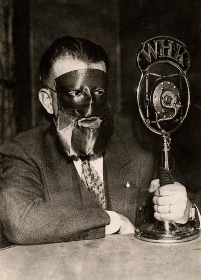 Юрист, желающий сохранить анонимность, на заседании суда. США, 1933 год.
