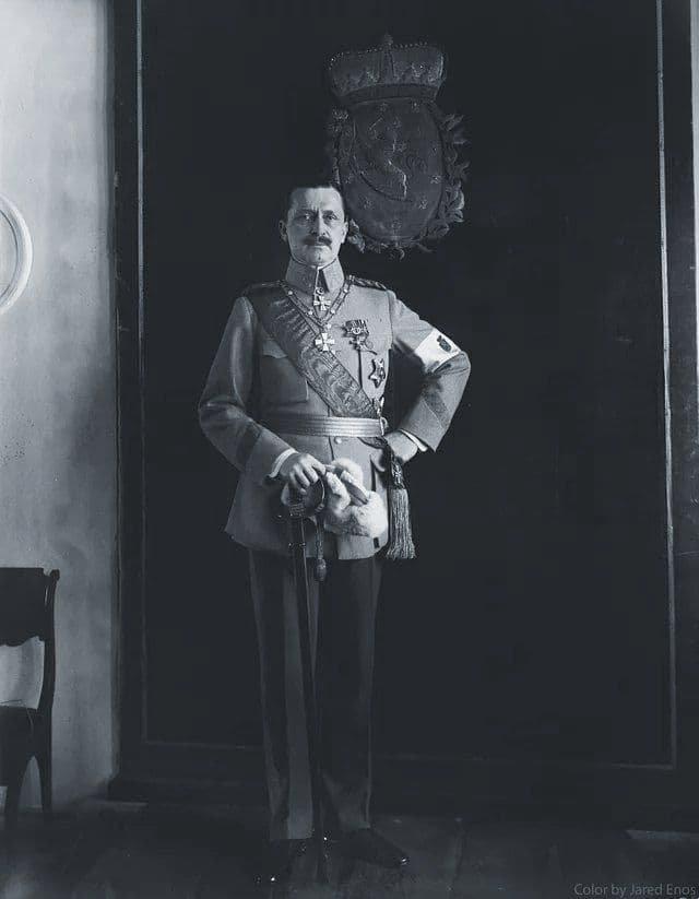 Карл Маннергейм - финский национальный герой, единственный в истории Маршал Финляндии.