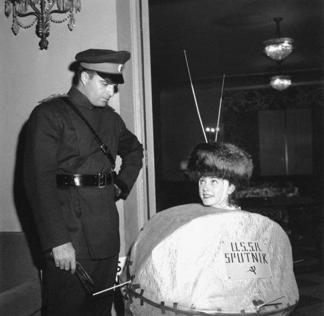 Хеллоуин-вечеринка в Лос-Анджелесе, 1957 год.