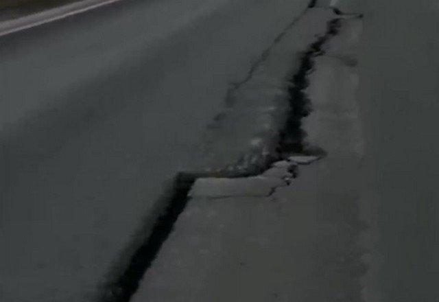 """В ХМАО """"разорвало"""" дорогу, построенную в 2019 году за 4,8 млрд рублей"""