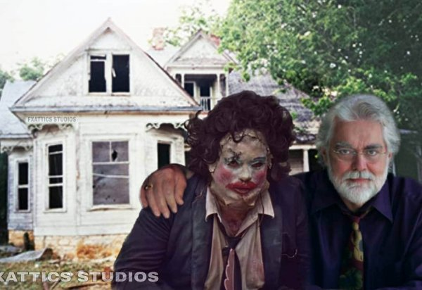 Гуннар Хансен и маньяк Кожаное лицо из «Техасской резни бензопилой»