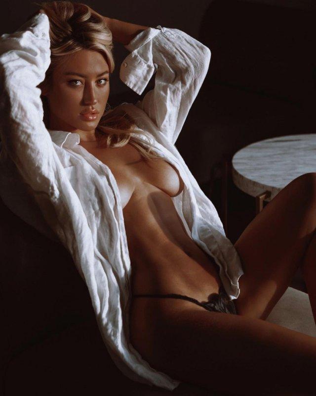 Стефани Гурзански - бывшая девушка миллионера Стивена Клобека в белой рубашке