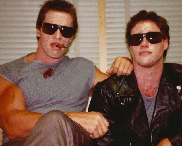 """Арнольд Шварценеггер и его дублер Питер Кент на съемках """"Терминатора""""."""