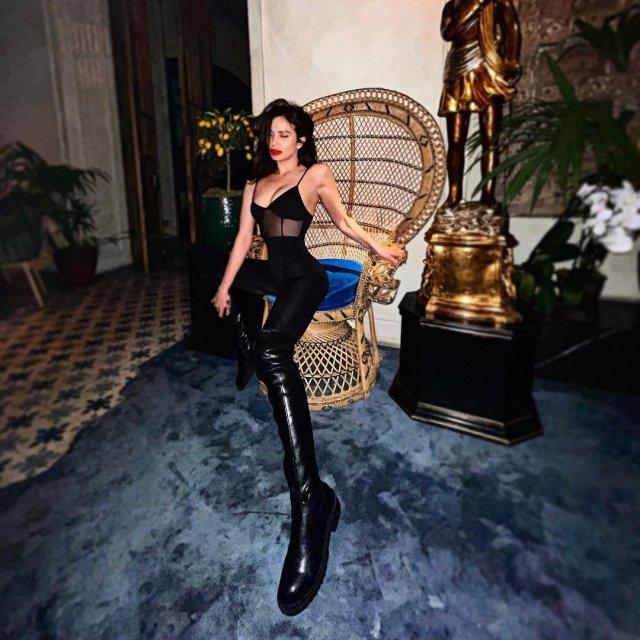Яна Грабощук - киевлянка, оказавшаяся участницей «голой» фотосессии в Дубае в черной одежде