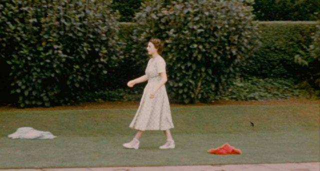 неопубликованные кадры королевской семьи из документального фильма «Невиданная королева»